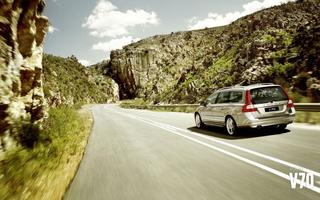 volvo-v70-heading-to-the-mountains[1].jpg